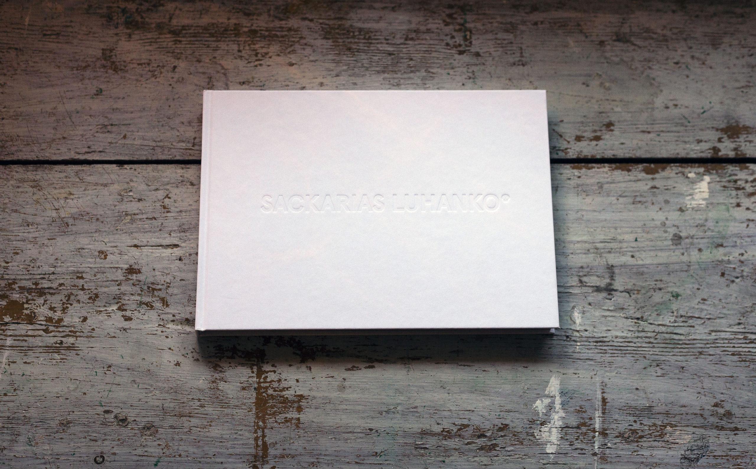 "Konstboken ""Sackarias Luhanko"", formgiven av Stefan Raabe"